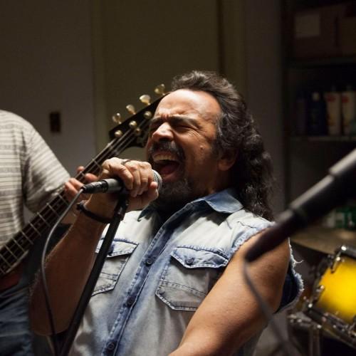 Eddie Reynolds y los Ángeles de Acero: todo es por el rock and roll -y nada más-