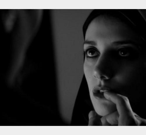Una chica vuelve a casa sola de noche |Cine recomendación