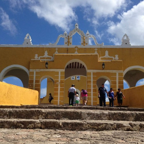 Izamal, el amarillo pueblo mágico de Yucatán