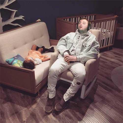 Chico-dormido-en-el-trabajo-Meme-Kanye-West