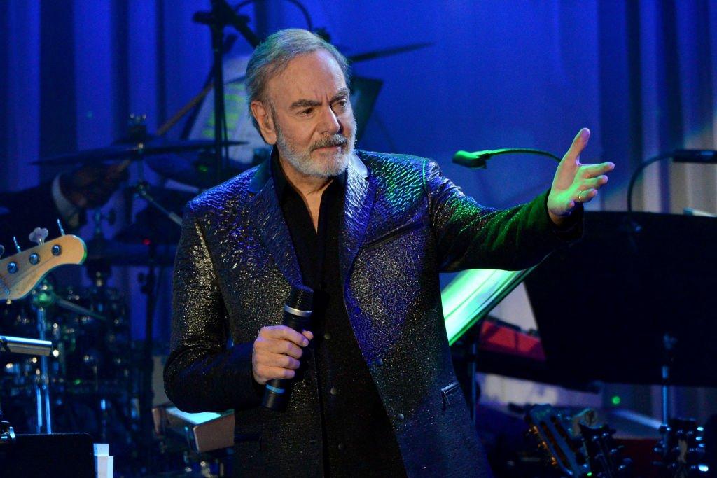 Neil Diamond cancela conciertos y gira por enfermedad de Parkinson