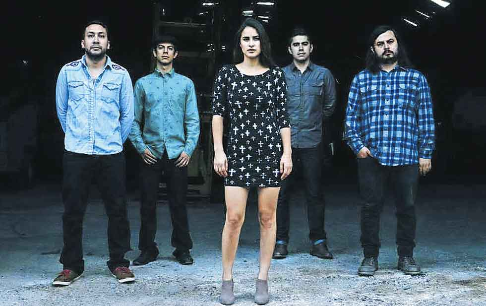 Ponle play: discos nuevos de The Chamanas, Smerz y The Internet